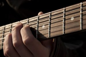 музыкальные сервисы на Facebook